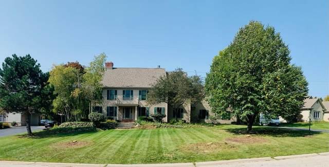 1475 Brian  Ct, Brookfield, WI 53045 (#1750956) :: Keller Williams Realty - Milwaukee Southwest