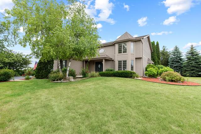 1936 Field Cliffe Dr, Richfield, WI 53076 (#1750971) :: EXIT Realty XL