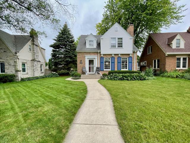 2823 N 73rd St, Milwaukee, WI 53210 (#1751200) :: Re/Max Leading Edge, The Fabiano Group