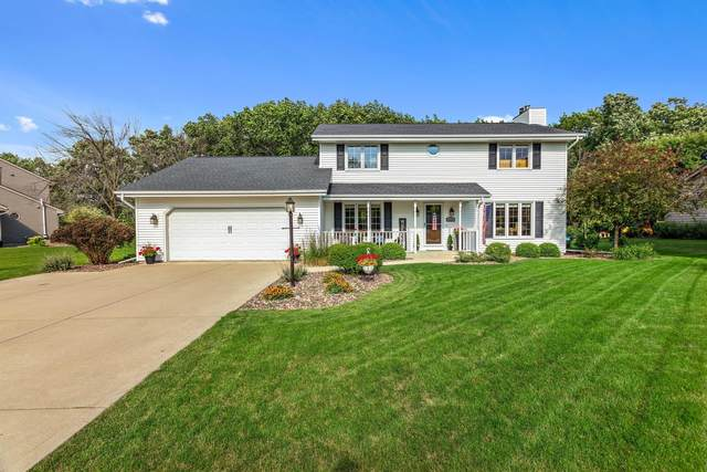 W164N10282 Clover Hill Ln, Germantown, WI 53022 (#1751203) :: RE/MAX Service First