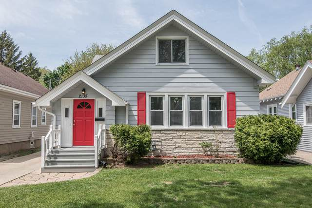 2135 N 66th St, Wauwatosa, WI 53213 (#1751340) :: Re/Max Leading Edge, The Fabiano Group