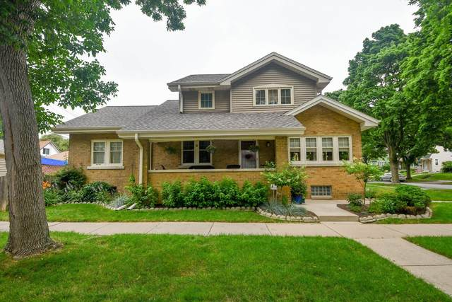 2401 N 70th St, Wauwatosa, WI 53213 (#1751435) :: Re/Max Leading Edge, The Fabiano Group