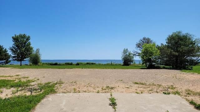 4112 Michigan Shores, Menominee, MI 49858 (#1751467) :: EXIT Realty XL