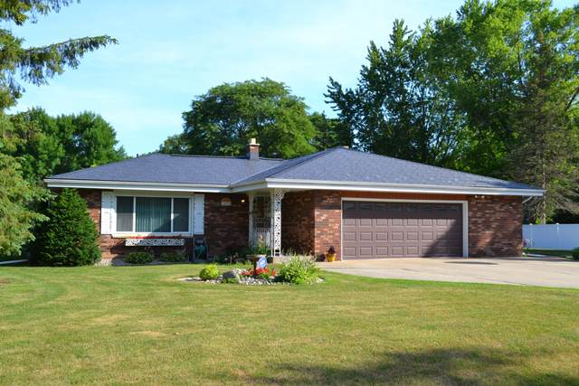 S71W12474 Berrywood Ln, Muskego, WI 53150 (#1751494) :: RE/MAX Service First
