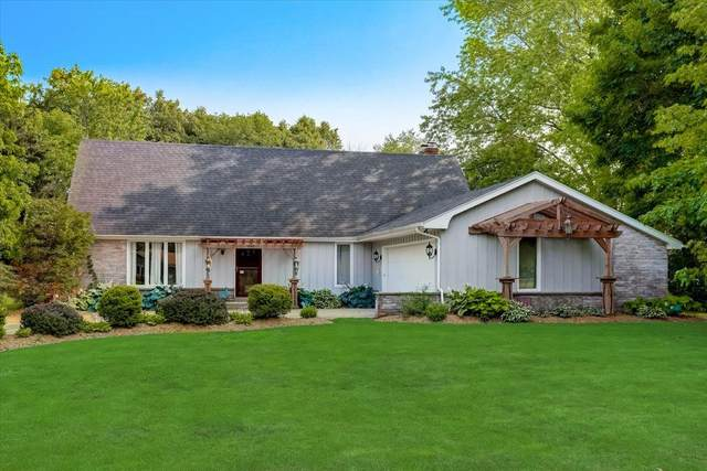 4545 Harvest Ln, Caledonia, WI 53402 (#1751501) :: EXIT Realty XL