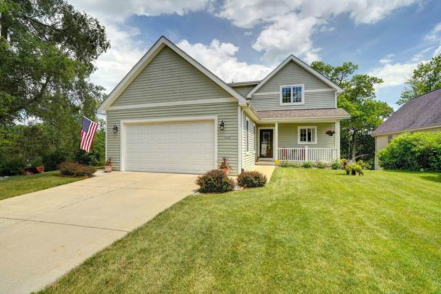 5737 Scenery Dr, Waterford, WI 53185 (#1751607) :: RE/MAX Service First