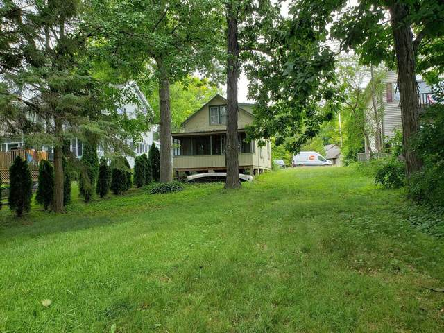 4600 Empire Ln, Waterford, WI 53185 (#1751668) :: OneTrust Real Estate
