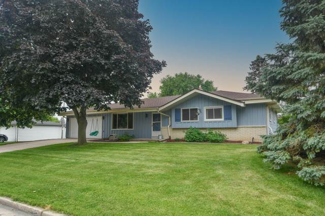 N66W24347 Champeny Rd, Sussex, WI 53089 (#1752036) :: EXIT Realty XL