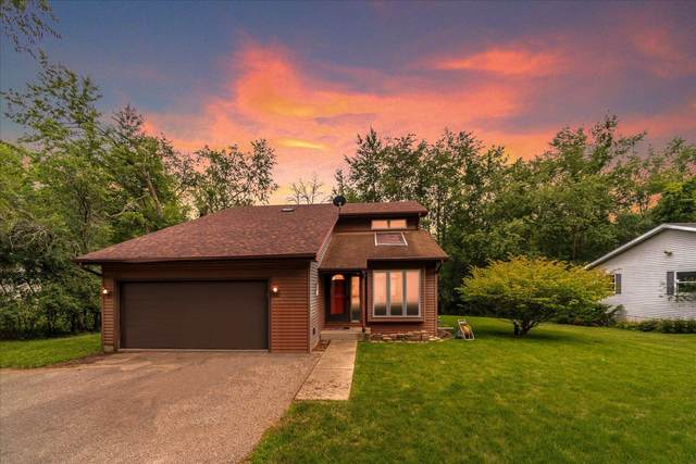 4321 Northview Dr, Delavan, WI 53115 (#1752098) :: Re/Max Leading Edge, The Fabiano Group