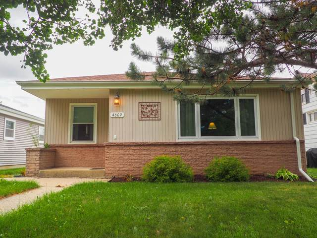 4609 S 49th St, Greenfield, WI 53220 (#1752159) :: EXIT Realty XL