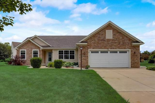 3735 W Dory Dr, Franklin, WI 53132 (#1752267) :: RE/MAX Service First