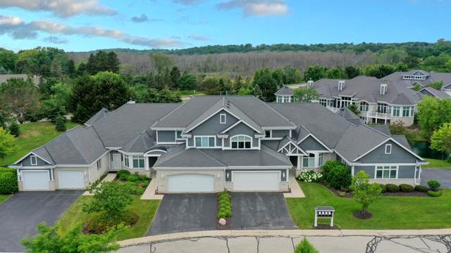 875 Lake Rd C, Brookfield, WI 53005 (#1752379) :: EXIT Realty XL