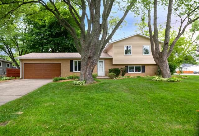 355 Hazelwood Dr, Antioch, IL 60002 (#1752482) :: Tom Didier Real Estate Team