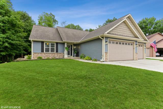415 Kames Cove, Slinger, WI 53086 (#1752539) :: RE/MAX Service First