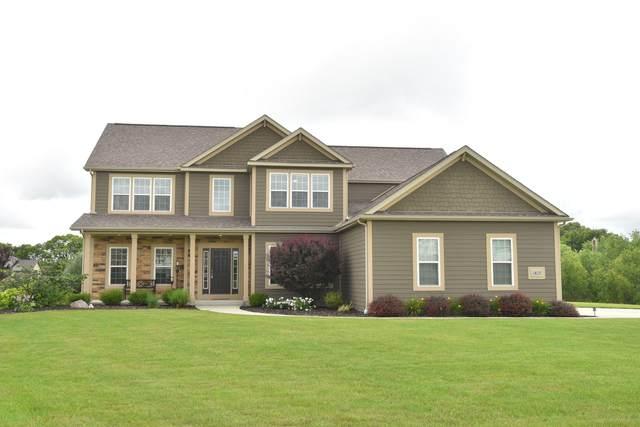 1825 Stoneridge Ln, Cedarburg, WI 53024 (#1752707) :: EXIT Realty XL