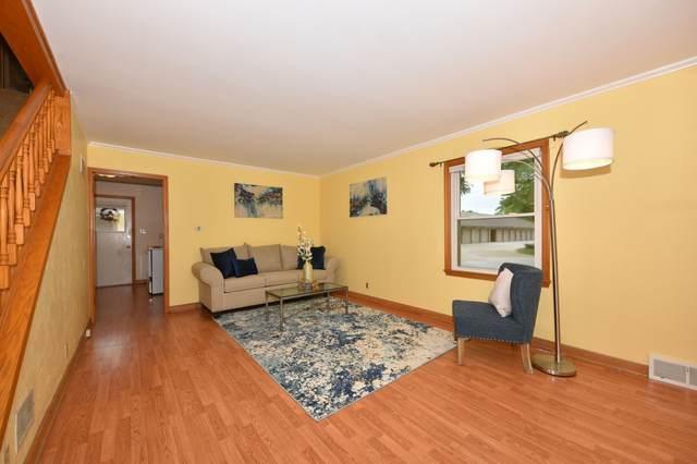 4855 N Santa Monica Blvd, Whitefish Bay, WI 53217 (#1752726) :: OneTrust Real Estate
