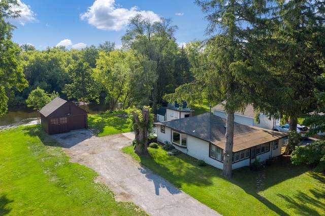 590 N Mill St, Saukville, WI 53080 (#1752774) :: EXIT Realty XL