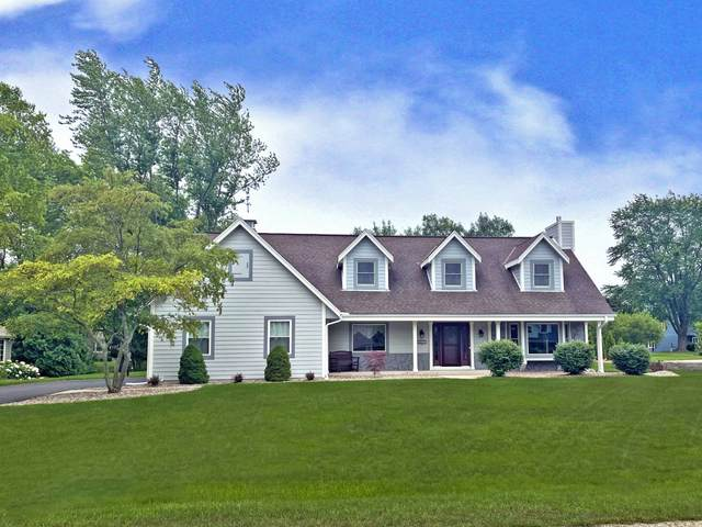 3607 W Marseilles Dr, Mequon, WI 53092 (#1752823) :: Re/Max Leading Edge, The Fabiano Group