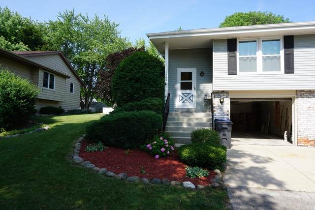 1866 Waterview Ln, Waukesha, WI 53189 (#1752879) :: EXIT Realty XL