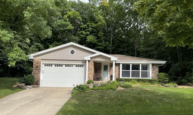 4915 Sussex Ln, Greendale, WI 53129 (#1752887) :: OneTrust Real Estate