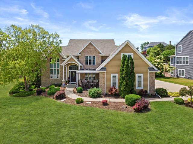8569 S River Terrace Dr, Franklin, WI 53132 (#1752925) :: Re/Max Leading Edge, The Fabiano Group