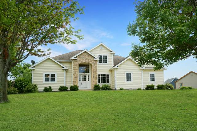107 Red Fox Dr, Johnson Creek, WI 53038 (#1752952) :: Re/Max Leading Edge, The Fabiano Group