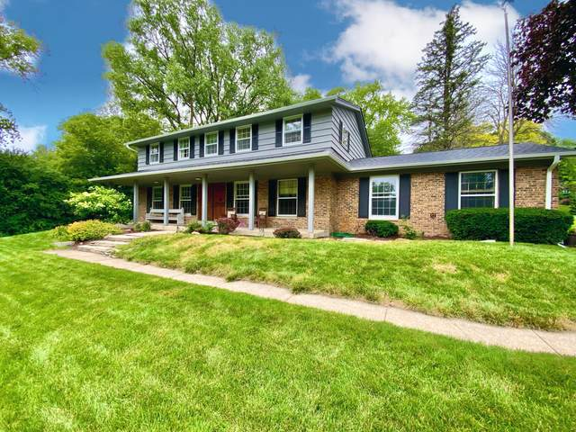 1315 Pineview Ct, Brookfield, WI 53045 (#1752959) :: Re/Max Leading Edge, The Fabiano Group
