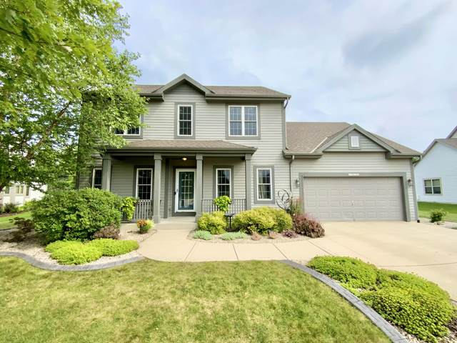 W232N7966 Nesting Ct, Sussex, WI 53089 (#1752986) :: EXIT Realty XL