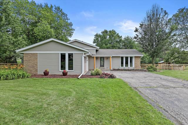 N58W26649 Indian Head Dr, Lisbon, WI 53089 (#1752998) :: RE/MAX Service First