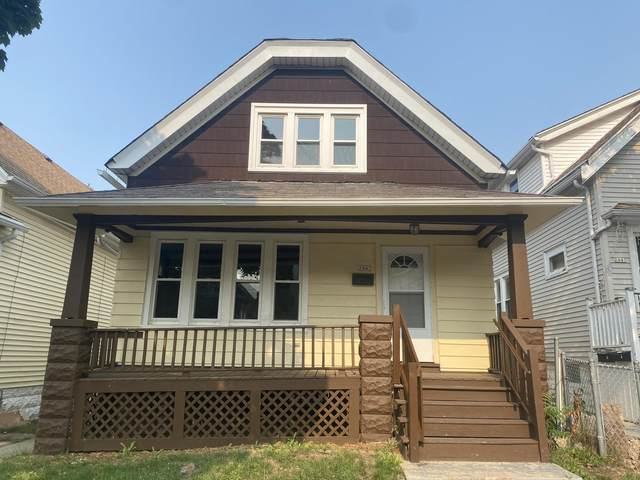 2445 S 8th St, Milwaukee, WI 53215 (#1753188) :: EXIT Realty XL