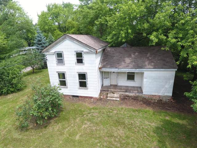 5001 Northwest Hwy, Waterford, WI 53185 (#1753243) :: OneTrust Real Estate