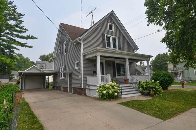 119 S Monroe St, Watertown, WI 53094 (#1753326) :: Tom Didier Real Estate Team