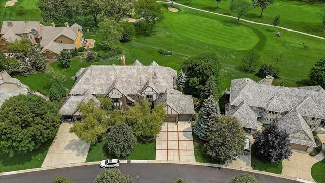 8528 S Country Club Dr, Franklin, WI 53132 (#1753345) :: EXIT Realty XL