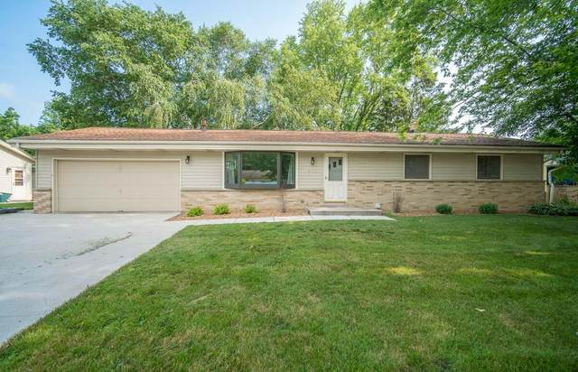 246 Green Valley Pl, West Bend, WI 53095 (#1753384) :: EXIT Realty XL