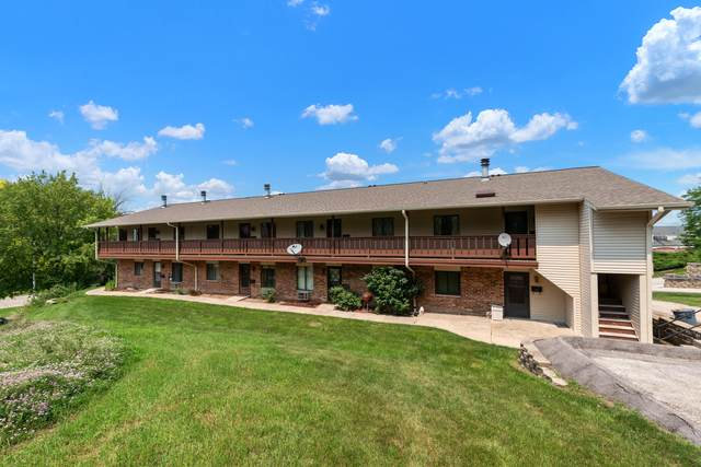 1322 Greenhedge Rd A-6, Pewaukee, WI 53072 (#1753436) :: EXIT Realty XL