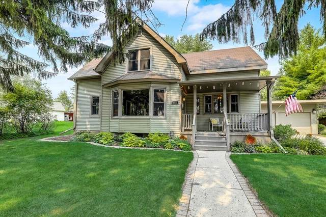 407 Salisbury Rd, West Bend, WI 53090 (#1753501) :: EXIT Realty XL