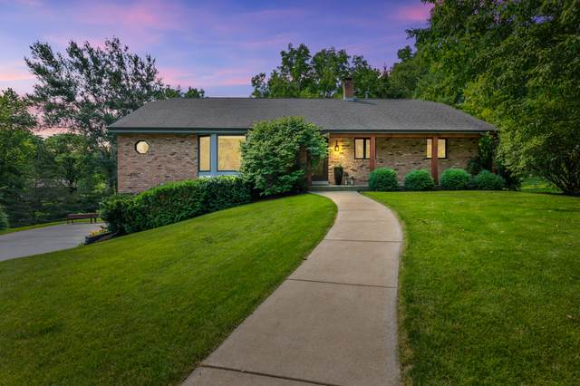 14610 Eastview Ct, Brookfield, WI 53005 (#1753552) :: EXIT Realty XL