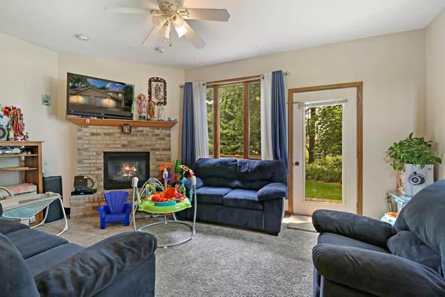 226 N Main St #8, Walworth, WI 53184 (#1753607) :: Tom Didier Real Estate Team