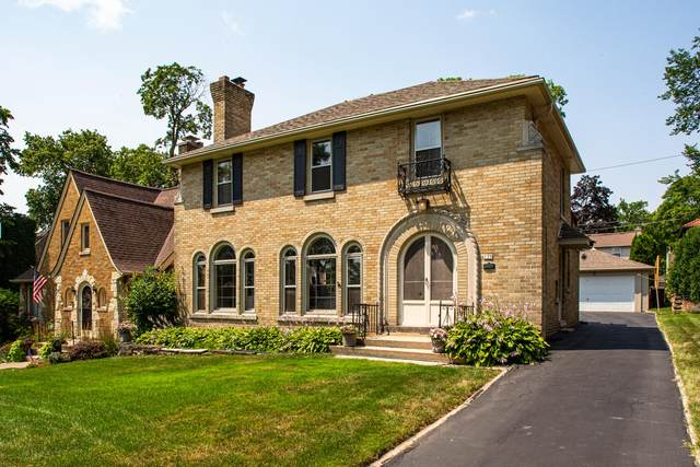 139 N 86th St, Wauwatosa, WI 53213 (#1753633) :: OneTrust Real Estate