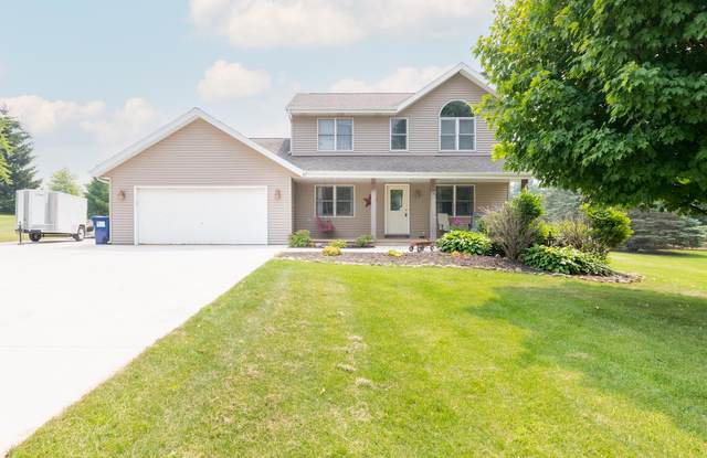 6116 Anne Marie Ct, Addison, WI 53095 (#1753655) :: RE/MAX Service First