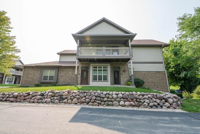 18107 W Wisconsin Ave #202, Brookfield, WI 53045 (#1753690) :: EXIT Realty XL