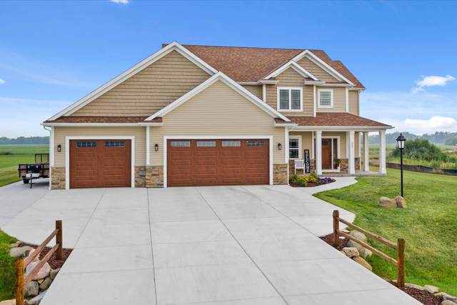 805 Westwind Dr, Eagle, WI 53119 (#1753729) :: EXIT Realty XL