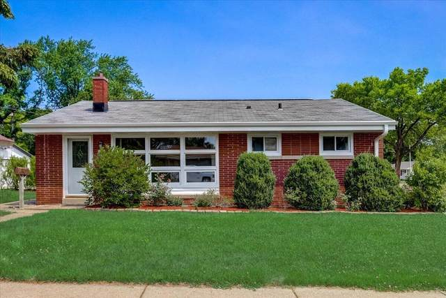 5508 W Crawford Ave, Milwaukee, WI 53220 (#1753749) :: OneTrust Real Estate