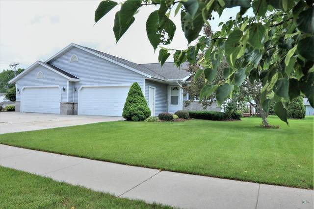 2425 Songbird Ct, Plymouth, WI 53073 (#1753838) :: EXIT Realty XL
