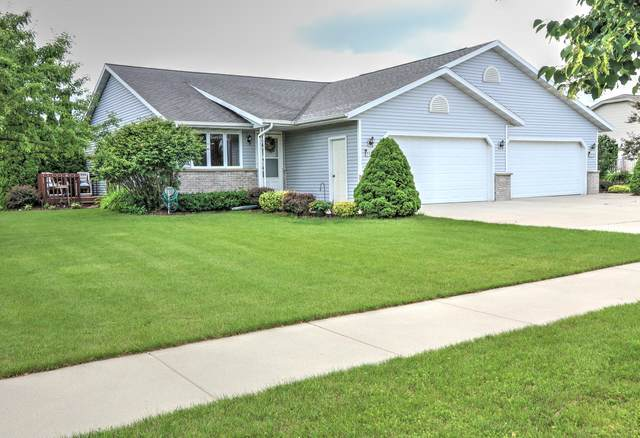 2427 Songbird Ct, Plymouth, WI 53073 (#1753846) :: EXIT Realty XL
