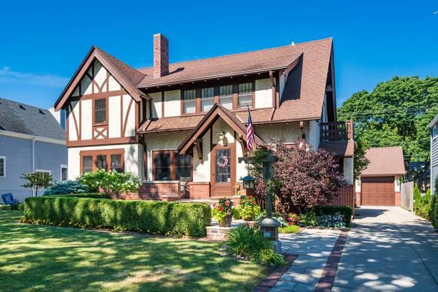 5925 N Lake Dr, Whitefish Bay, WI 53217 (#1753859) :: OneTrust Real Estate