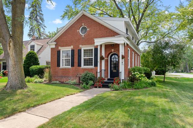 5801 S 109th St, Hales Corners, WI 53130 (#1753928) :: RE/MAX Service First