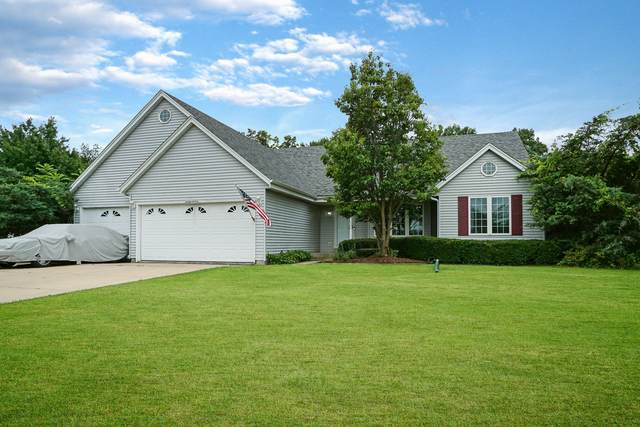 N60W18335 Lost Pond Dr, Menomonee Falls, WI 53051 (#1753935) :: OneTrust Real Estate