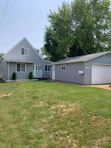 3840 S 38th St, Greenfield, WI 53221 (#1753957) :: Re/Max Leading Edge, The Fabiano Group