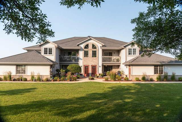 757 Quinlan Dr A, Pewaukee, WI 53072 (#1754025) :: EXIT Realty XL